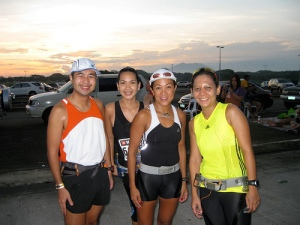 with Dindo, Ting and Mesh (grabbed from TBR's blog)